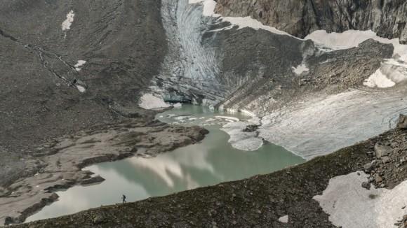 les-glaciers-accompagnent-le-randonneur-tout-au-long-du-stubaier-hoehenweg