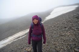 V sedle Chaukhi (3338 m) ležel i v srpnu sníh. S termoprádlem jsme tu ale ve Fluxu vystačili.