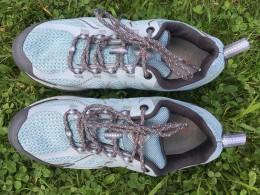 Vzhled je sice u trekových bot až druhotný, ale tady si designér opravdu vyhrál.