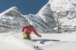 Wurzeralm_Skifahrer_Schwung_Schnee_Winter_copyright_Oberoesterreich Tourismus GmbH_David Lugmayr