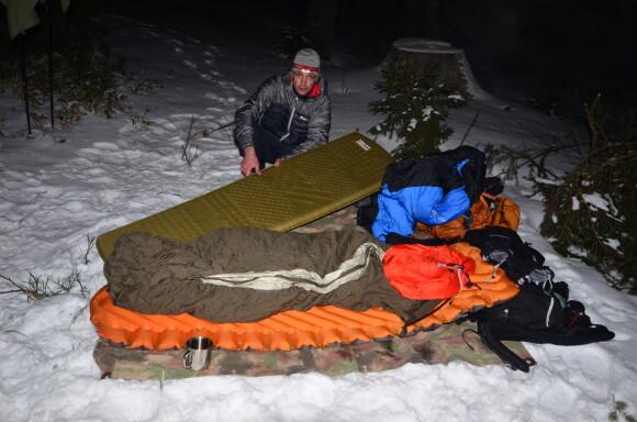 Příprava na šumavskou noc v –15 C.
